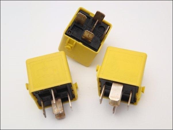 Relay Bmw 61361389105 Siemens V23134k52x181 E36 E34 Z3 15